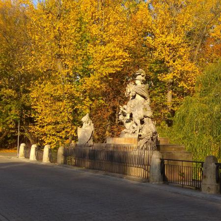 warsaw parks and palaces road3 450x450